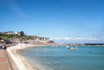 Le front de mer à Cancale en Bretagne - Ile et Vilaine