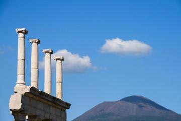 columns of pompei