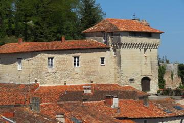 Charente-Aubeterre-sur-Dronne - Vue sur le château