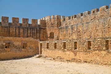 Стена крепости Франгокастелло. Греция. Крит