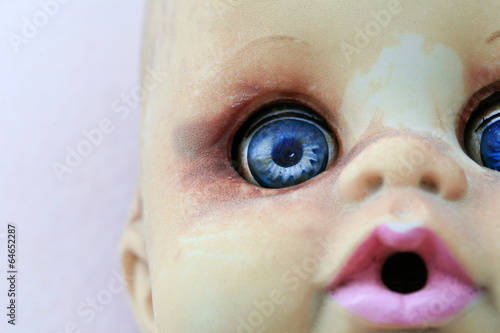 Doll with blue eyes - 64652287