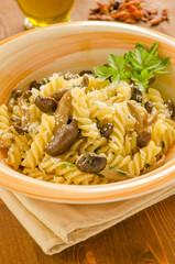 Fusilli ai funghi, cucina italiana