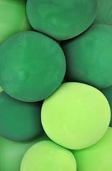 Molti palloncini verdi