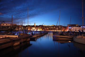 Marseille et le Vieux Port de Nuit