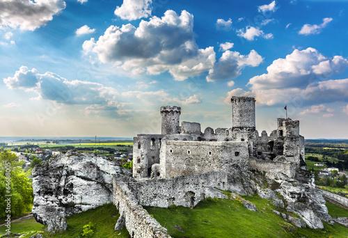 Fototapeta Castle, Ogrodzieniec fortifications, Poland.