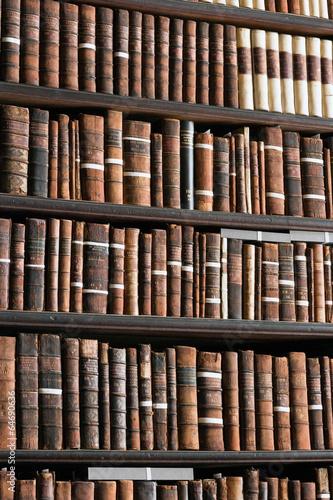 Dublin Trinity College Library - 64690636