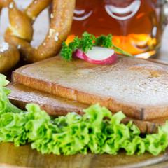 frisch gebackener Fleischkäse