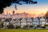 Fototapety Famous view of San Francisco at Alamo Square