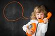 Leinwanddruck Bild - Kid shouting through phone