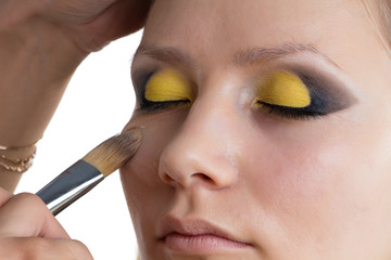 Making yellow Make up
