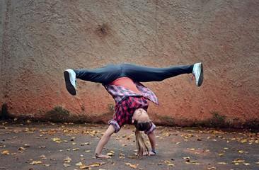 Breakdance girl on the street