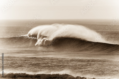 Wave Sepia Contrasts Crashing Water - 64788865