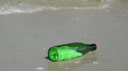 Flaschenpost in der Ostsee