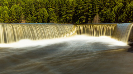 водопад на Уральской реке