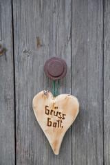 Grüß Gott - Herz aus Holz mit bayerischer Sprache