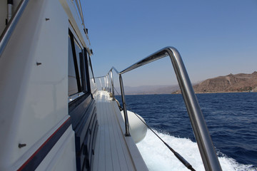 Вид с борта яхты