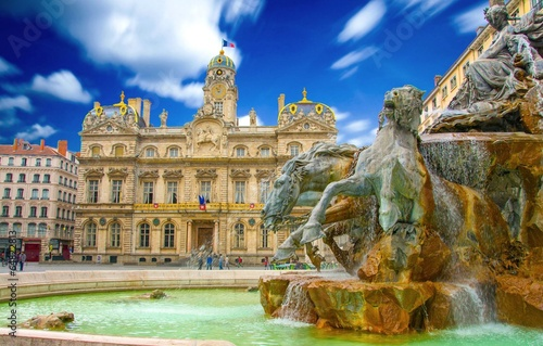 Place des Terreaux à Lyon, France - 64822813