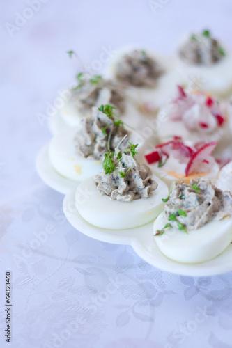 Jajka faszerowane - 64823460