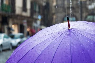 regnerische Stadt