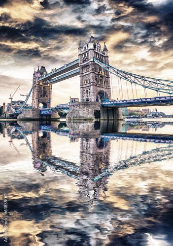London Bridge o zachodzie słońca