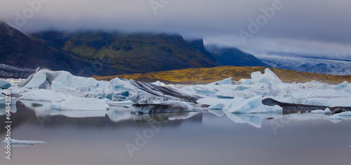 Plexiglas Gletsjers Beatiful vibrant picture of icelandic glacier and glacier lagoon