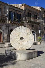 Le sculture di via Penna - Scicli