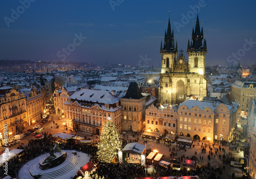 Tuinposter Praag Old town square in Prague at Christmass time. Night.