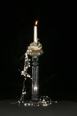 weihnacht kerze mit dekoration, kerzenständer aus glas, schwarz