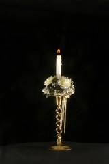 weihnacht kerze mit dekoration und kerzenständer, schwarz, gold