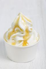 Frozen Yogurt mit Honig