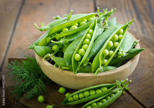 Aluminium Groenten Fresh peas in the bowl