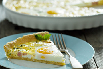 Quiche with ham and eggs