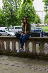 Junge Frau in der Stadt