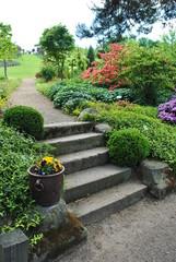Schody w ogrodzie