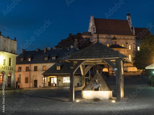Zdjęcia na płótnie, fototapety, obrazy : Kazimierz Dolny town square by night