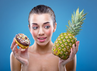 Women's diet. Donut or pineapple ?