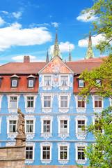 Das sogenannte blaue Hellerhaus in Bamberg an der Regnitz