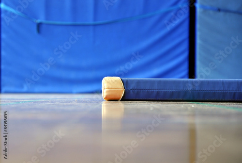 Foto op Plexiglas Fitness Turnmatte Sportunterricht Turnen Schulsport