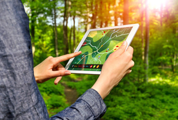 Hiking with GPS App on Tablet PC – Wandern mit Wander-App