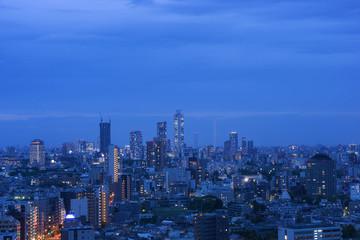 高層ビル街 夜景