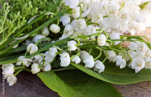 Papiers peints Lilac Lily of the valley