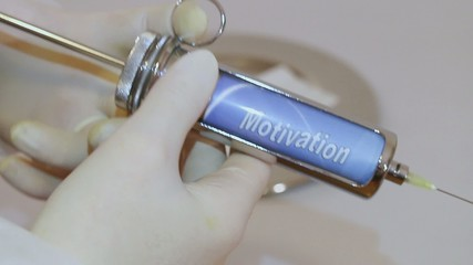 Motivation impfen, einimpfen, injezieren, spritzen, einspritzen