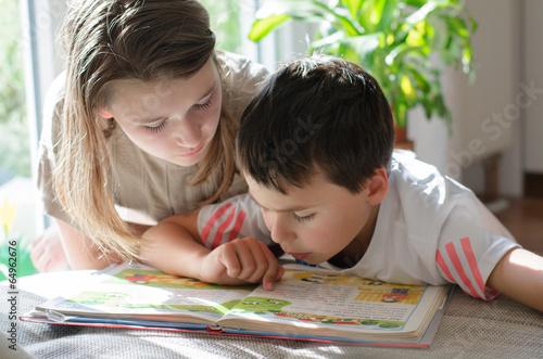 Leinwanddruck Bild Lesen lernen