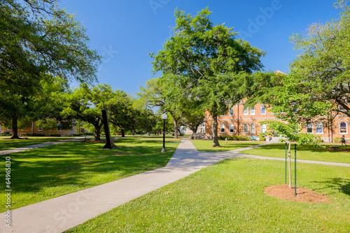 Leinwanddruck Bild College campus