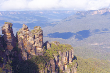 Three sisters blue mountains valley view