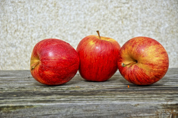 3 apples in hdr