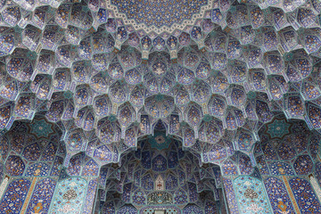 decorated ceiling, mosque