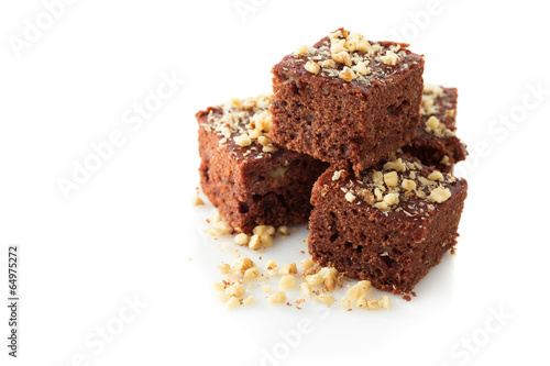 Chocolate brownies with walnuts - 64975272
