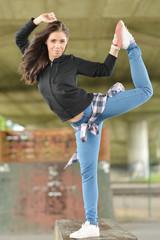 Danse Hip-Hop Dancing Gir