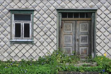 verlassener Hauseingang